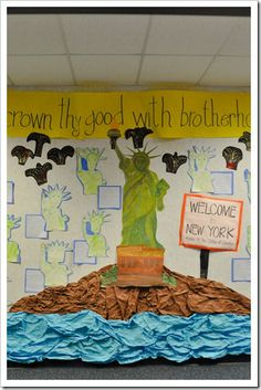 Statue of Liberty writing and bulletin board. Just darling!