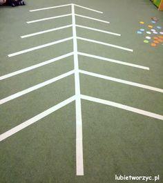 """""""Ubieramy choinkę"""", czyli zimowo - świąteczna zabawa dydaktyczna w przedszkolu ;)   #choinka #zabawadydaktyczna #zabawa #gra #przedszkole #christmastree #game #educationalgames #play #preschool #nurseryschool #kindergarten #diy #zróbtosam #święta #bożenarodzenie #christmas #christmasideas #handmade #tutorial #poradnik #jakzrobić #howto #sposóbwykonania #instrukcja #instruction #lubietworzyc Paper, Children Garden"""