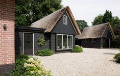 Klassiek landhuis | www.atelier3.nl #atelier3 #architectuur #villa #tuinhuis #bijgebouw