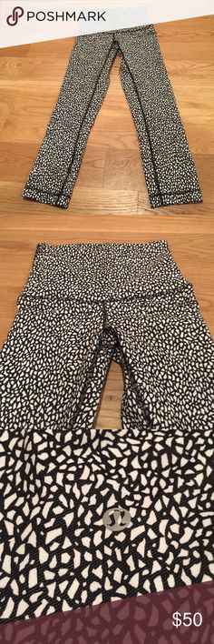 Lululemon size 4 leggings Hi-rise crops in a fun black and white print! Perfect summer pant. No stains/rips/pilling. NO TRADES! Please make all offers through the offer button :) lululemon athletica Pants Leggings