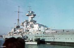 Heavy cruiser of Admial Hipper class (Admiral Hipper ?), Kiel - - pin by Paolo Marzioli Naval History, Military History, Model Warships, Uss Arizona, Heavy Cruiser, Capital Ship, Navy Military, Military Diorama, Cruises