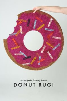 Do-nut miss the chance to make this silly and scrumptious rug! #DIY #donuts #omnomnom
