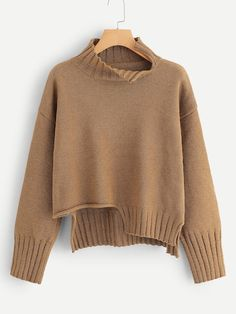 Shop Plus Slit Asymmetrical Hem Sweater online. SHEIN offers Plus Slit Asymmetrical Hem Sweater & more to fit your fashionable needs. Cropped Sweater, Pullover Sweaters, Loose Sweater, Beige Sweater, Women's Sweaters, Pull Court, Mode Chic, Plus Size Sweaters, Mode Outfits