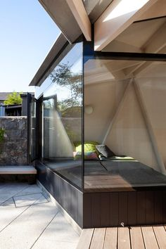 'scale of ply' - glazed, angled seating bay slotted beneath structure - glulam/ply house extension – Dublin, Ireland - NOJI Residential Architecture, Contemporary Architecture, Interior Architecture, Dublin House, Arched Windows, Corner Windows, House Extensions, Pergola Designs, Pereira