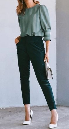 24 Best Work And Office Outfits Ideas 24 Best Work And Office Outfits Ideas,my wardrobe. 24 Best Work And Office Outfits Ideas There are images of the best. Casual Work Outfits, Winter Outfits For Work, Work Attire, Work Casual, Fall Outfits, Fashion Outfits, Skirt Outfits, Smart Casual Women Office, Office Look Women