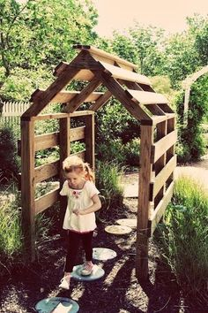 Could easily build this trellis from shipping pallets- a fun play area for kids…