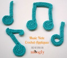 Music Note Crochet Appliques to help you keep the hooky beat! These notes were made to the same scale as the Moogly Crochet Alphabet, Numbers, Punctuation, etc. So feel free to mix and match for your own custom [. Alphabet Au Crochet, Marque-pages Au Crochet, Crochet Music, Moogly Crochet, Crochet Letters, Crochet Bookmarks, Crochet Motifs, All Free Crochet, Crochet Crafts