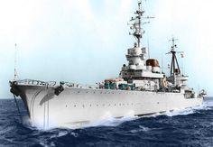 Italian light cruiser of Raimondo Montecuccoli-class. This photo was taken in the but the cruiser was operating from 1940 to 1943 during World War II. Naval History, Italian Lighting, Military Diorama, Navy Ships, Battleship, World War Ii, Sailing Ships, Wwii, Rubber Raincoats