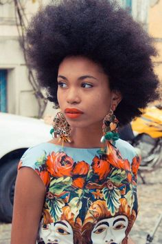 She looks atractive with her #afro #naturalhairstyle Loved By NenoNatural!