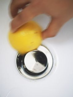 Lemon Juice: Scrub Mildew Out of Porcelain and Tile  How to do it: Mildew stains can be one of the toughest household stains to battle. To treat, douse the area thoroughly with fresh lemon juice and let it sit for 5 to 10 minutes. Scrub with a heavy-bristle brush.
