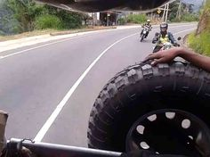 See one of the perfect road in Sri Lanka for you to ride on a motorcycle during your Sri Lanka tour with Ceylontusker tours.
