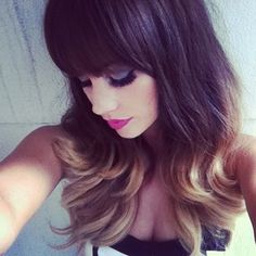 HER HAIR!!!! THINK I GONNA DYE IT LIKE THIS!!!!!