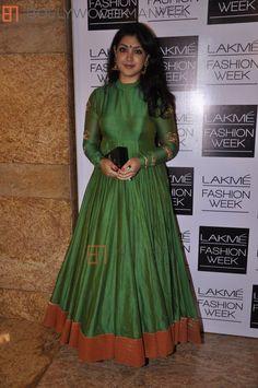 Long Gown Dress, Sari Dress, Anarkali Dress, Anarkali Suits, Indian Gowns, Indian Attire, Indian Outfits, Kurta Designs, Blouse Designs