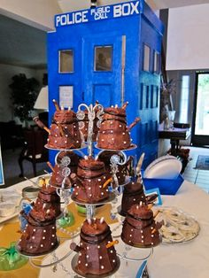 Daleks you can eat! Great pics of a Doctor Who party! can we have a doctor who party? Doctor Who Birthday, Doctor Who Party, Doctor Who Wedding, Dalek Cake, Cupcakes, Cupcake Mix, Birthday Parties, Birthday Ideas, Birthday Cakes