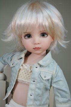 http://www.ebay.com/itm/Dianna-Effners-Darling-BJD-Destiny-/222131580585?nma=true