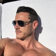 Luke Evans - always sexy and charming man Handsome Actors, Hot Actors, Luke Evans Actor, New Profile Pic, British Men, Hair And Beard Styles, Male Beauty, Perfect Man, Beautiful Boys