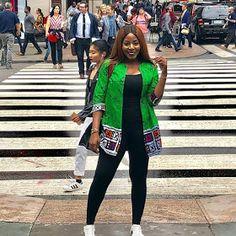 Amazing Stylish African fashion clothing looks Ideas 9460064100 African Wear Dresses, African Fashion Ankara, Latest African Fashion Dresses, African Print Fashion, Africa Fashion, African Attire, African Outfits, Mode Kimono, Ankara Clothing