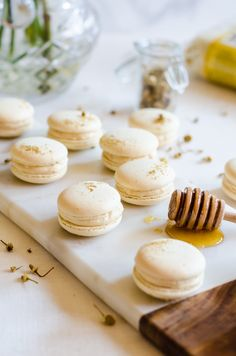 These chamomile and caramelized honey macarons are the perfect treat for all your spring gatherings. The macaron shells are delicately flavored with chamomile and filled with a lightly salted caramelized honey buttercream. It's Spring in a single bite. #BRMEaster #CleverGirls ad