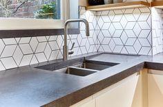 Tiles & concrete worktop