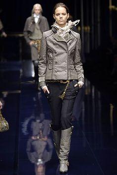 Dolce & Gabbana Fall 2006 Ready-to-Wear Collection Photos - Vogue