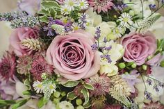 Beautiful wedding flowers, with our Memory Lane Roses