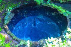心が洗われるパワースポット!東京から行ける「コバルトブルーの湧水」が美しい - Find Travel