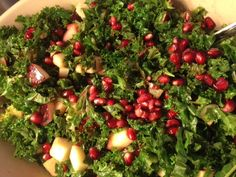 Grønkålsalt med æble og granatæble