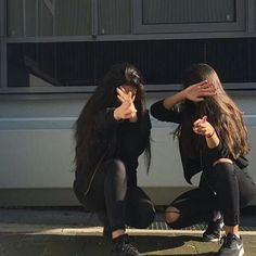 - girls foto bff pictures, friend pictures ve friend ph Cute Friend Pictures, Best Friend Pictures, Best Friend Photography, Girl Photography Poses, Korean Best Friends, Girls Foto, Photographie Portrait Inspiration, Friend Poses, Cute Friends