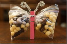 Butterfly Snack Bags w/ Kix Mix--class snack idea for any holiday or just because..