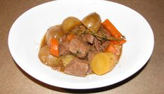 Boeuf à l'érable à la mijoteuse Leftover Beef Recipes, Pot Roast, Slow Cooker Recipes, Stew, Crockpot, Curry, Appetizers, Favorite Recipes, Dishes