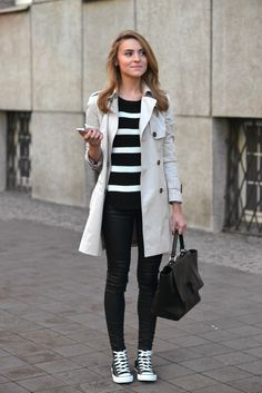 A cream trench will always afford you an elegant and smart every day style. Worn over skinny black jeans and a black and white knit, this trench looks casual but sophisticated. Via Katarzyna Tusk. Trousers: Mango, Sweater: Vila by Answear.com, Coat: Zara, Bag: Minelli.