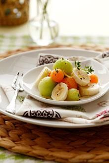 A hint of acidity, thyme and pepper bring out the natural sweetness of melon and Chiquita bananas in this refreshing fruit salad.