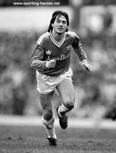 Steve Moran, i took my daughter to her only ever game and Moran scored a hat trick v Sheffield Wednesday in a 6-2 win but she never got into football