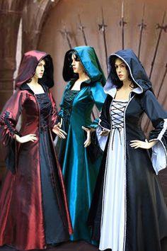 Renaissance médiévale Maiden robe robe à capuche par YourDressmaker