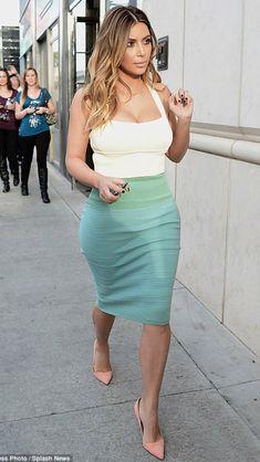c82c2c28939 tank top skirt kim k kim kardashian high waisted skinny light blue jeans  white crop tops crop tops