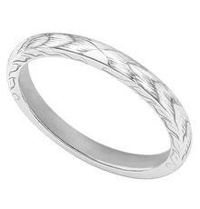 leaf pattern engraved ring