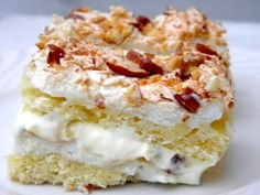 """Kvæfjordkake or """"Verdens Beste"""" (World's Best), Norway's national cake. A light pastry with cream filling and meringue and almonds topping. Baking Recipes, Cake Recipes, Almonds, Meringue, Scones, Scandinavian, Biscuits, Cream, Desserts"""