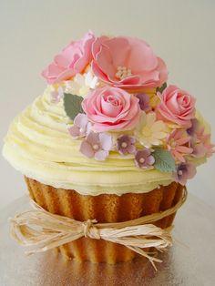awesome Pink-Wedding Cakes - Vintage Rose Cupcakes of Tunbridge Wells Large Cupcake Cakes, Big Cupcake, Cupcake Birthday Cake, Fancy Cakes, Cupcake Cookies, Mini Cakes, Rose Cupcake, Pretty Cupcakes, Giant Cupcakes