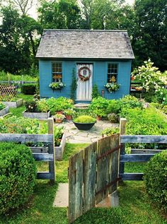 Cottage Garden Design, Diy Garden, Dream Garden, Home And Garden, Cottage Garden Sheds, Potager Garden, Fenced Garden, Country Cottage Garden, Garden Farm