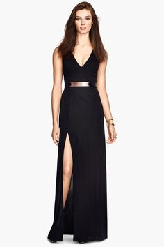 Yes, there's a high slit, but the length and smart details (cue: metallic belt) keep the vibe put-together.