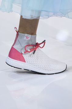 21 Shoes 2019 To Update You Wardrobe Now - Chaussures Femme Pretty Shoes, Cute Shoes, Shoe Wardrobe, Popular Shoes, High Heel Boots, High Heels, Summer Shoes, Casual Shoes, Fashion Shoes