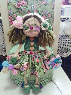 Amigurumi Doll, Crochet Dolls, New Beginnings, Green Colors, Free Pattern, Embroidery, Country, Fabric, Crafts