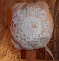 COIFFE REGIONALE ANCIENNE SUPERBE BRODERIE