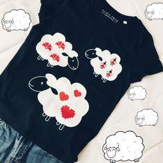 organic cotton tshirt buzana Linen Tshirts, Organic Cotton T Shirts, Quality T Shirts, Black Linen, T Shirts For Women, Clothes For Women, Collar And Cuff, Textiles, Fashion
