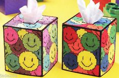 """Happy Faces Tissue Cover"" Plastic Canvas Pattern 