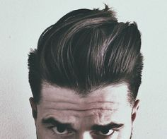 3 Simple Steps to Style a Pompadour - EnkiVillage