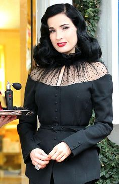 http://trend911.com/wp-content/Dita-Von-Teese-dress-pre-Christmas-event-for-her-new-perfume-2.jpg