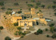 Hotel Mihir Garh: Dormir num castelo em pleno deserto indiano (fotos)