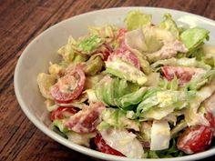 Dnes to bude takový rychlorecept - mám pro vás tip na zeleninový salátek, který se může hodit perfektně třeba jako večeře v těchto horkýc... Healthy Snacks, Healthy Recipes, Vegetable Side Dishes, Other Recipes, Quiche, Bon Appetit, Protein, Salad Recipes, Food And Drink