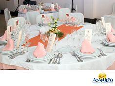 #casateenacapulco Sabores inolvidables en tu boda con Picnic's Acapulco. TU BODA EN ACAPULCO. Picnic's es una empresa que te ofrece mesas de dulces, postres, botanas, bebidas, un exquisito pastel de fondant, además de platillos originales para sorprender a todos los invitados en tu boda. Conoce su catálogo completo para que elijas alguna de estas delicias que con seguridad, deleitarán a todos los asistentes. Te invitamos a celebrar tu matrimonio en el paradisiaco Acapulco…